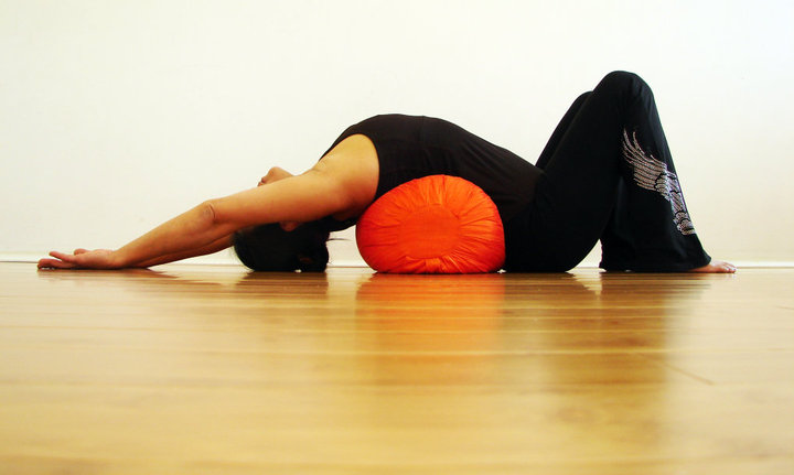 Restorative Yoga 50 Hours CwBolster