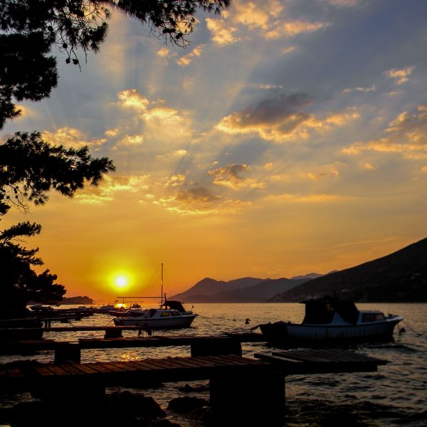 sunset-3261042_1280